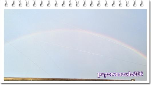 s屋根の上の虹ブログ用.jpg